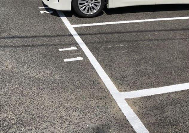 駐車場ライン引き塗装工事